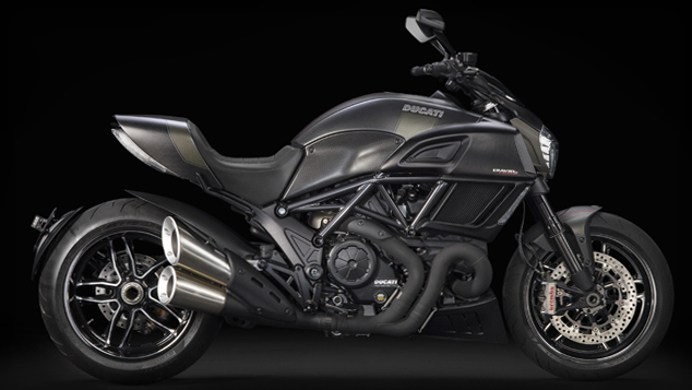 diseno_diavel_carbon